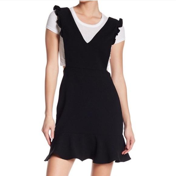 After Market Dresses & Skirts - After Market Black V-Neck Apron Dress M